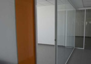 cloison-vitree-montant-couvre-joint